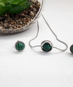 Minimalist Malachite necklace. Circle pendant. Green Malachite pendant – Sterling silver necklaces for women. Green Necklace – Gift for her