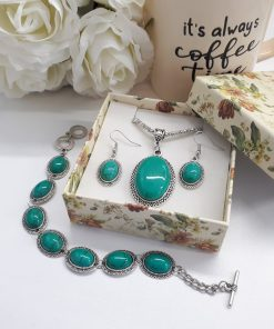 Crystal stones calming, crystal to calm the mind, crystals for calming emotions. Green Turquoise Necklace Set – Oval Pendant