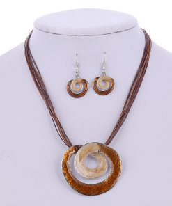 crystals for grounding Scral chakra - healing crystal for Scral chakra. Boho necklace and earring set for women